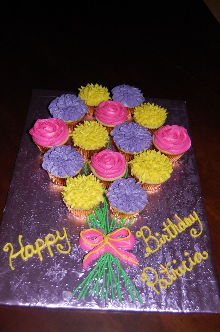 Cupcake Flower Bouquet  on Cake Central