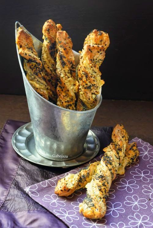 Magvas-sajtos csavart rúd leveles tésztából