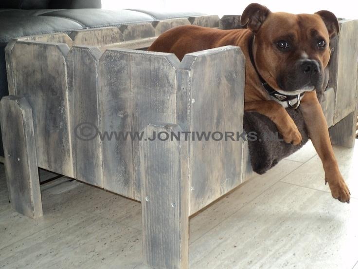 Steigerhout hondenmand Guus  Kleur: combinatie