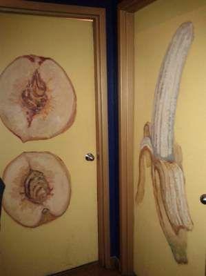 Самые смешные таблички на туалетах: новая подборка