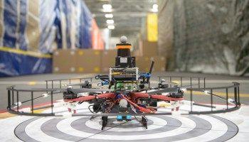 Här flyger Darpas autonoma drönare i 20 m/s