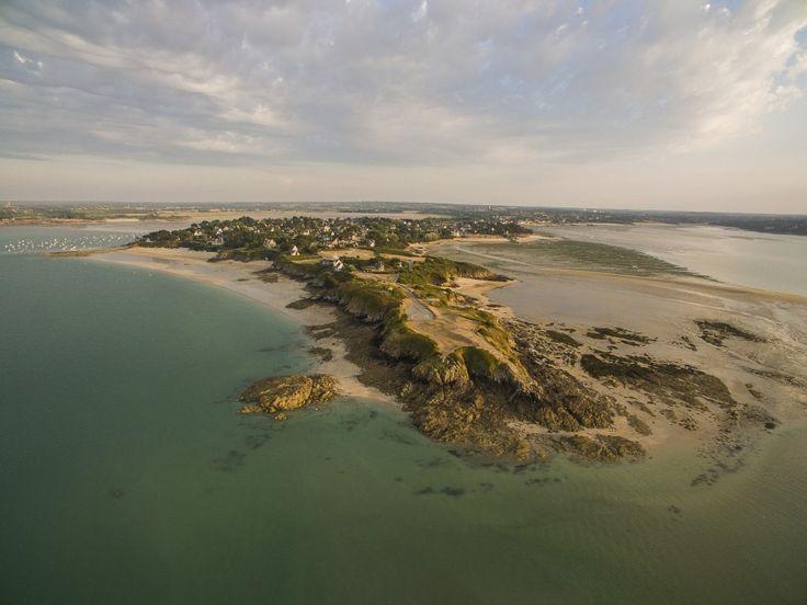 Panorama sur Saint-Jacut de la Mer, vue depuis l'île des Ebihens. Bretagne. Photo par Dji Phantom 3 Advanced