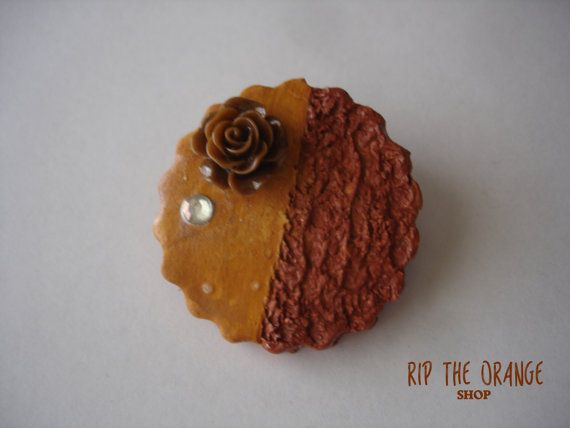 Chocolate Cookie Brooch