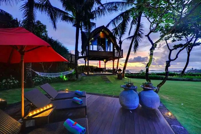 www.geriabalivillas.com/villa-maridadi/ #bali #geriabali #holiday #villainbali #villalife #balivilla #baliholiday #tbt #hgtv #luxwt #beautifuldestination #tropical #luxuryworldtraveler #tgif #balibible #worldtravelmart #theluxurylifestylemagazine #straya #trulyasia #indo #luxurytravel #luxuryvilla #sassychris1 #vscom #video #youtube #vegas #wonderfulindonesia #lasvegas #breachfront
