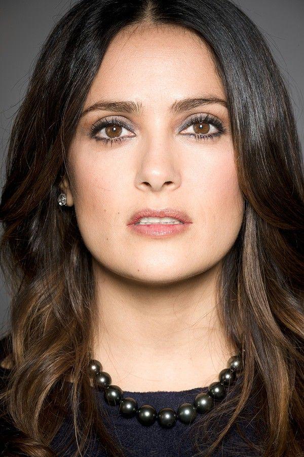 La actriz de 48 años de edad confesó a la revista Elle que el único producto que compra para el cuidado de su piel es ...