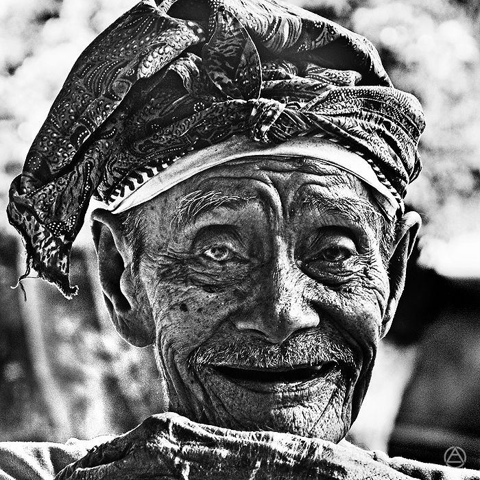 http://www.apelphotography.com/wp-content/uploads/2012/07/The-Art-of-Old-Face-Apel-Photography-Bali-Photographers-3.jpg