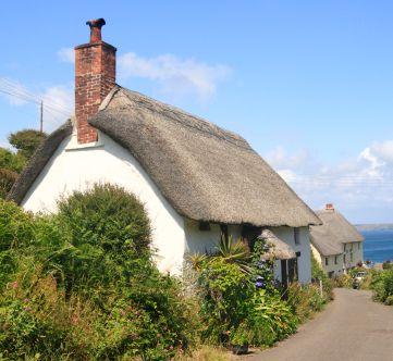 Cornish cottage right near the beach