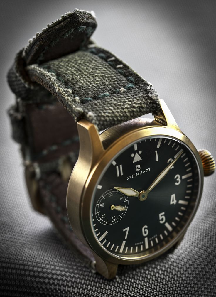 Steinhart Nav B-Uhr 44 handwinding bronze pilot and Canvas Verte military strap by Peter Gunny Straps