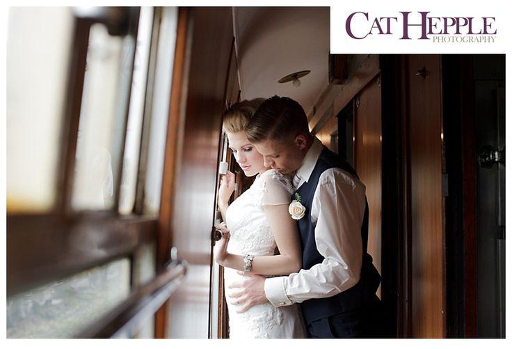 Qui n'a jamais rêvé d'organiser un mariage insolite, ponctué d'aventure, de luxe dans un train? Cet article est un petit clin d'œil à l'une de nos meilleures amies qui travaille dans le milieu ferroviaire et pour qui on imaginerait bien un mariage hors du commun. On s'emballe un peu c'est vrai puisque pour le …