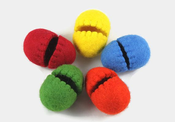 Hollow Easter Eggs - Easter Decoration - Wool Felted Easter - Spring Home Decor - Colorful Eggs - Set of 5 - Green - Yellow - Blue - Red