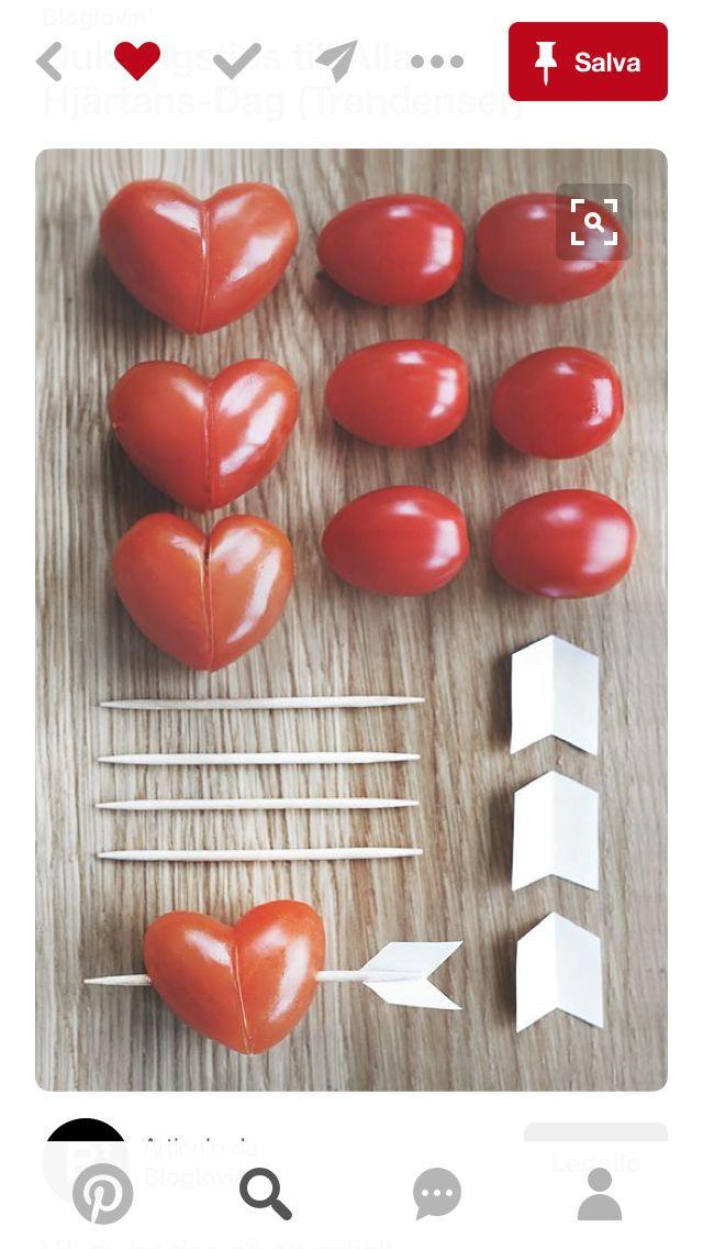 Un'idea per San Valentino,salutare e allo stesso tempo molto carina per gli innamorati,facile e con pochi occorrenti❤️una cosa che si può ricreare anche magari con un mandarino,una fragola o qualcos'altro che poi faccia uscire un cuoricino,spero vi possa essere utile