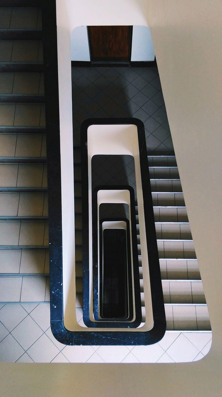 Klatka schodowa / Modernizm / Bankowiec
