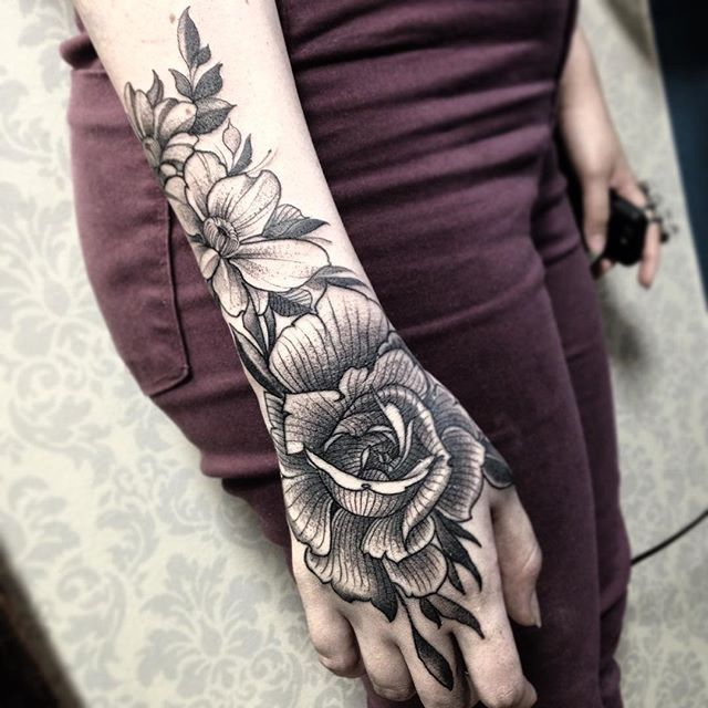 Best 25+ Rose Hand Tattoo Ideas On Pinterest