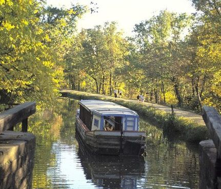 Best Weekend Hikes for Sporty Gals: C Canal Towpath Trail, Located in Washington, D.C. #SelfMagazine