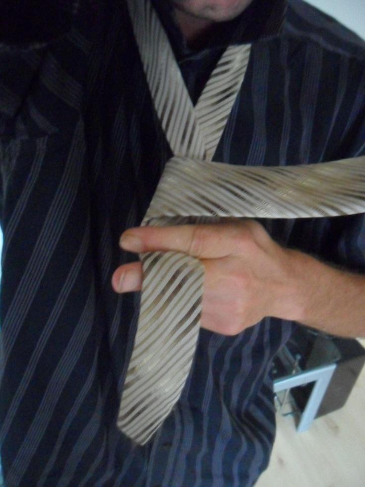 die besten 17 ideen zu krawattenknoten binden auf pinterest krawattenknoten krawatte binden. Black Bedroom Furniture Sets. Home Design Ideas