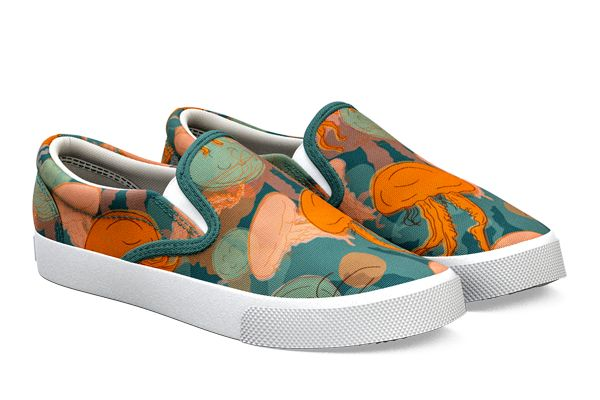 Please help Jelly Fishes design be produced by BucketFeet. We have 10 days to sell 15 pairs, so they can go into production. Thanks!! Purchase here: http://www.bucketfeet.com/jelly-fishes-unisex?utm_source=artist&utm_campaign=Jelly%20Fishes.