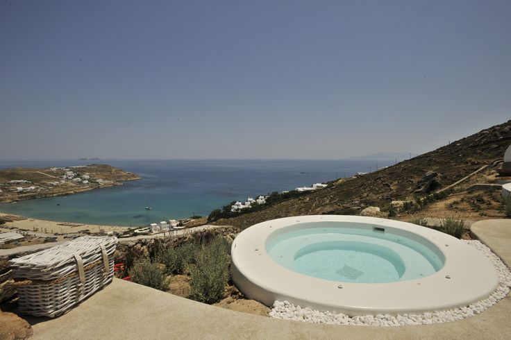 Maera Villas Mykonos give you the setting to sit speechless for hours.