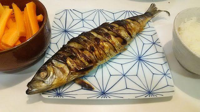 30センチくらいある巨大ニシンの塩焼き Around 30 centimeters. Huge. Grilling fish with salt of the herring http://www.kandamori.net/2017/03/blog-post_25.html #朝食 #夕食 #昼食 #ランチ #グルメ #ディナー #食事 #料理 #食料 #食べ物 #ご飯 #Breakfast #dinner #lunch #gourmet #meal #Dish #food #rice #cook #cooking