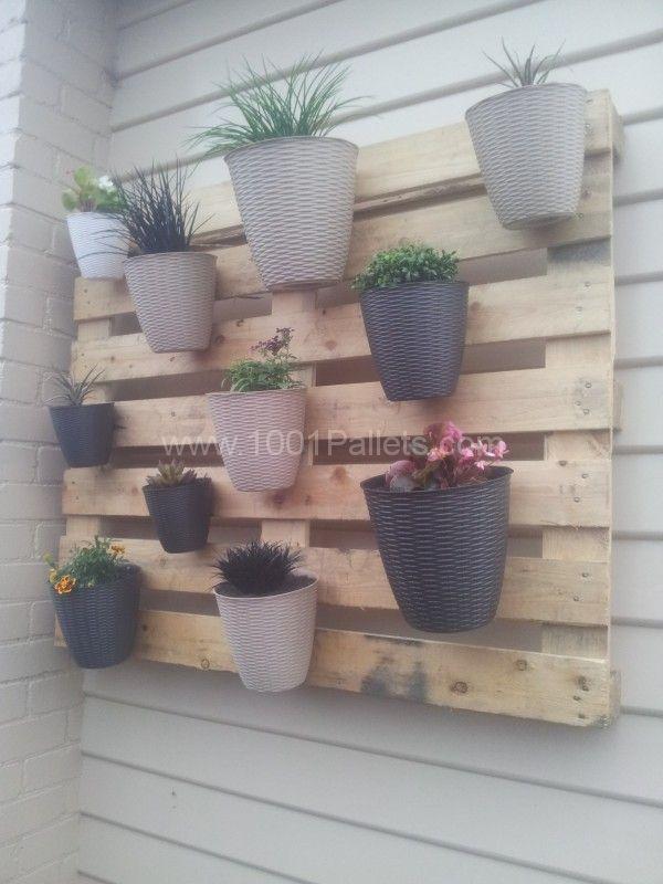 My first (but not last) pallet project: A vertical garden   1001 Pallets