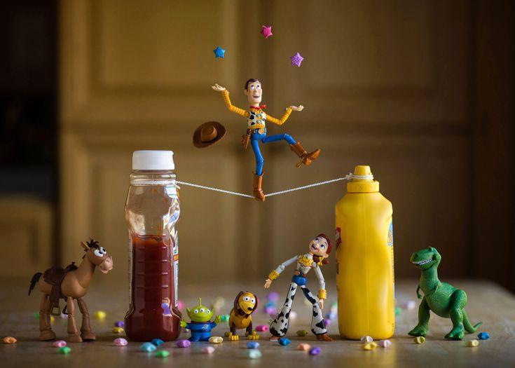 Retour en enfance : la photographie de jouets selon Mitchel Wu  Photo – Mitchel Wu, Toy Story