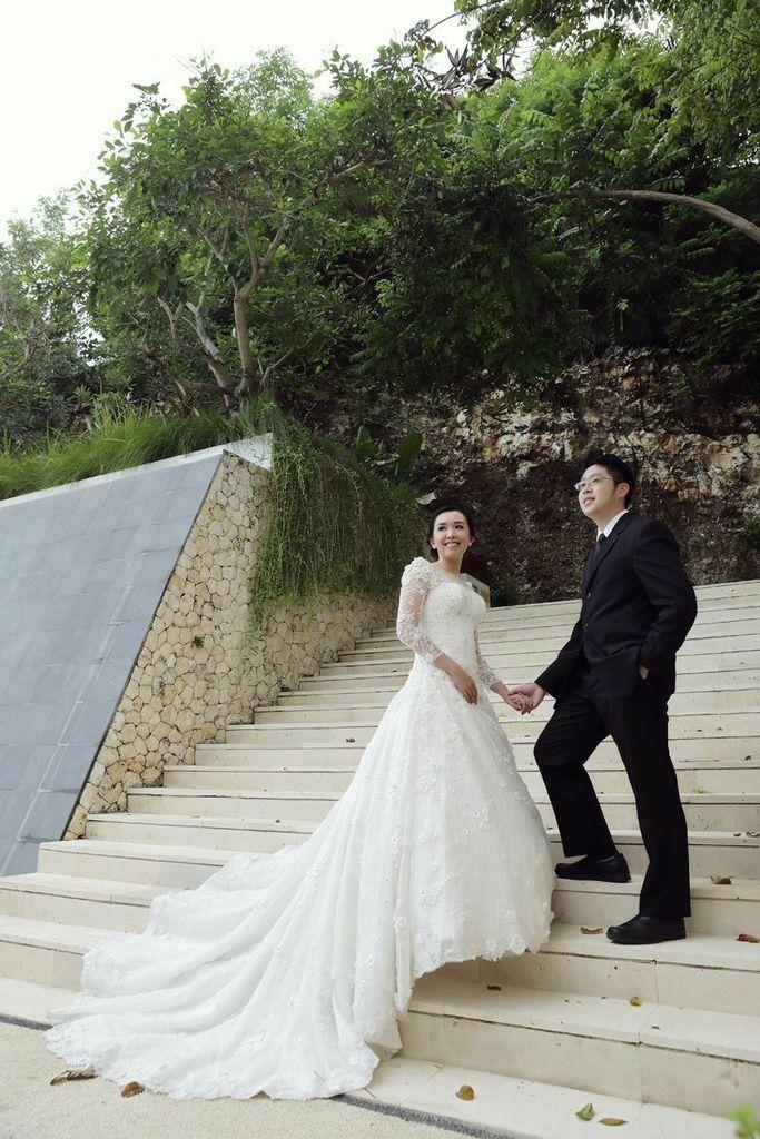 Weddimg dress by Oscar Daniel