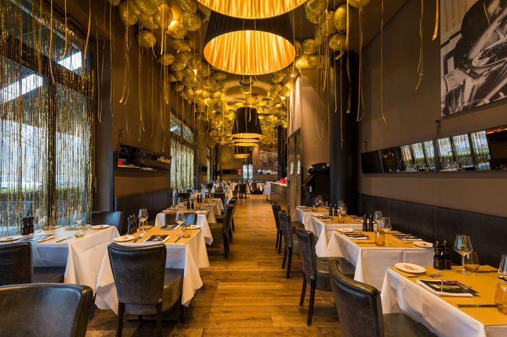 Goldene Dekoration zu Silvester im Hotel The George in Hamburg - EventExpress24 #ballons #silvester #thegeorgehotel #eventdekoration #eventexpress #ballondekoration #ballondeko #silvesterdeko