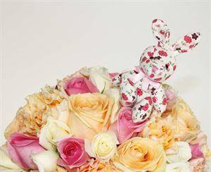 Bunny Bouquet Buddy | http://www.flyingflowers.co.nz/bunny-bouquet-buddy