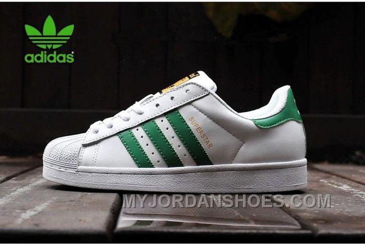 http://www.myjordanshoes.com/nieuwste-dames-heren-adidas-originals-superstar-goud-logo-wit-groen-loopschoenen-aanbieding-sale-2016.html NIEUWSTE DAMES/HEREN ADIDAS ORIGINALS SUPERSTAR GOUD LOGO WIT GROEN LOOPSCHOENEN AANBIEDING SALE 2016 Only $65.00 , Free Shipping!
