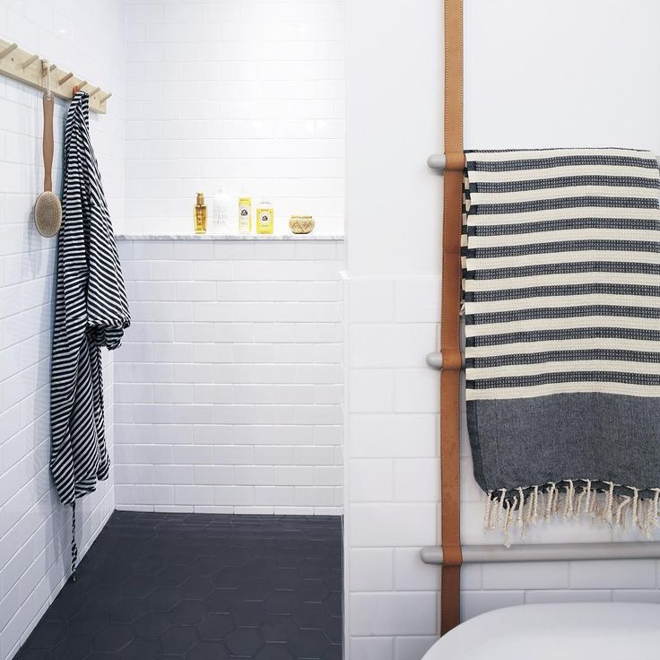 Creative use of our leather ladder in the bathroom decor! Stylish! ferm LIVING Leather Ladder - http://www.fermliving.com/webshop/shop/leather-ladder.aspx