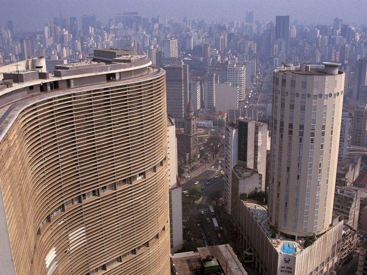 EDIFÍCIO COPAN BY OSCAR NIEMEYER São Paulo, Brazil Worldwide Picture Library / Alamy