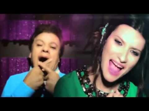 Juan Gabriel - Abrázame Muy Fuerte (feat. Laura Pausini) (Official Video)