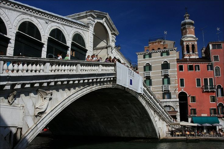 Rialto Bridge (1588) is one of the four bridges spanning the Grand Canal and it is the oldest bridge across the canal - Venezia - Veneto - Italy