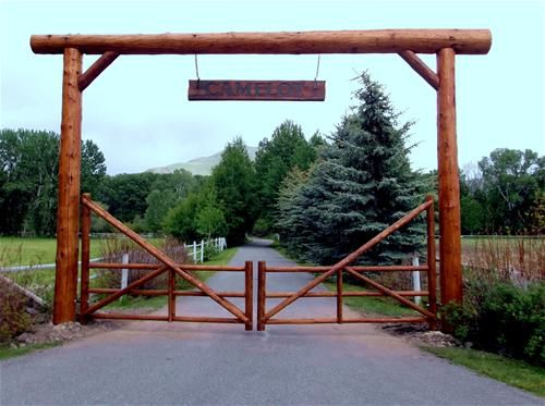 Or bella river ranch fave sun valley home pins for Ready made driveway gates