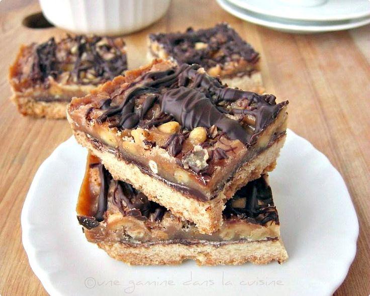 une gamine dans la cuisine: Pine Nut and Chocolate Caramel Squares
