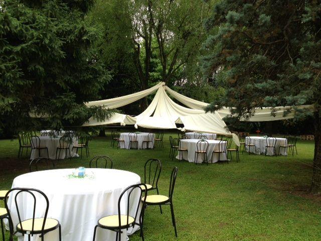 Fabbrica Borroni |Un candido chapiteau fra gli alberi del giardino|