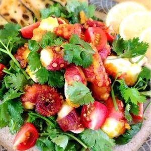タコの唐揚げとパクチーのレモンサラダ+by+Misuzuさん+|+レシピブログ+-+料理ブログのレシピ満載! タコに片栗粉とカレー粉をまぶして唐揚げにし、パクチーとともにレモンで和えます。
