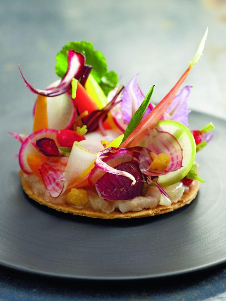 Cette recette est un clin d'œil au Chef Alain Passard qui m'a appris à associer les légumes cuits et crus juste enrobés d'un trait…