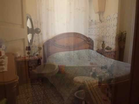 """Rif Ap16455 - A Marsala in vendita, in Via Delle Ninfe, appartamento """"arredato"""" abitabile di 60mq al 3° ed ultimo piano senza ascensore composto da cucina/soggiorno, ampia camera, ripostiglio, balcone e vano lavanderia al 4° piano. La pavimentazione è in ceramica e gli infissi interni sono in alluminio con vetro semplice. L'appartamento bisogna di lavori di ammodernamento. Non sono compresi nella vendita gli elettrodomestici. Prezzo di vendita € 32.000,00 trattabile"""