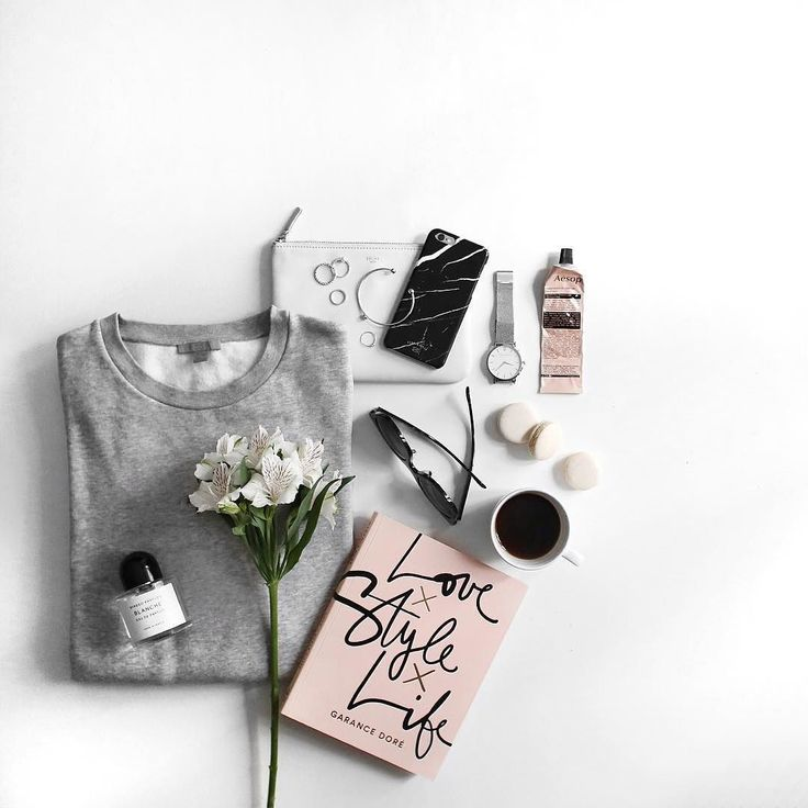 flat lay photo styling