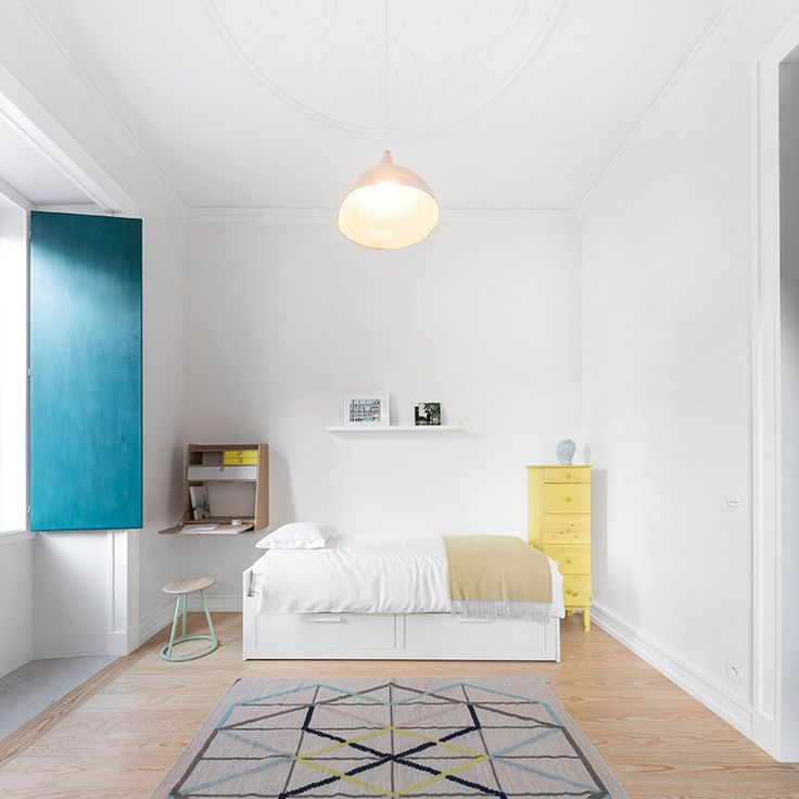 fala atelier adds color and geometrical rhetorics to apartment in lisbon