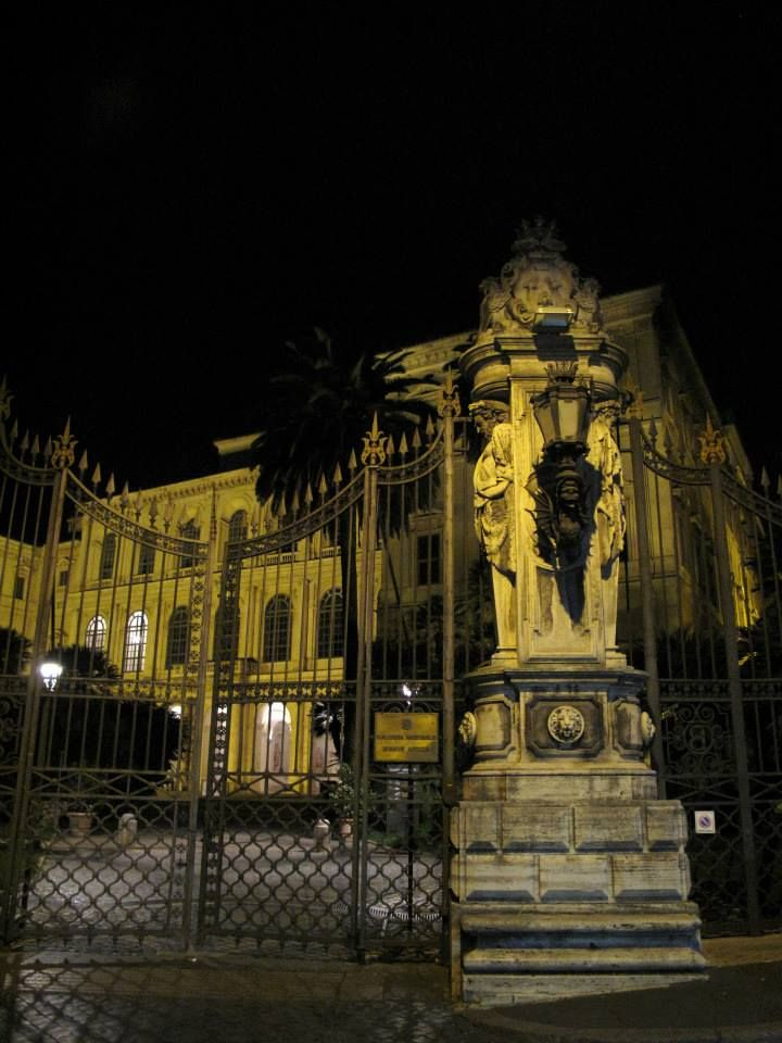 In front of Palazzo Barberini, Rome at night. www.galeriaborghese.it