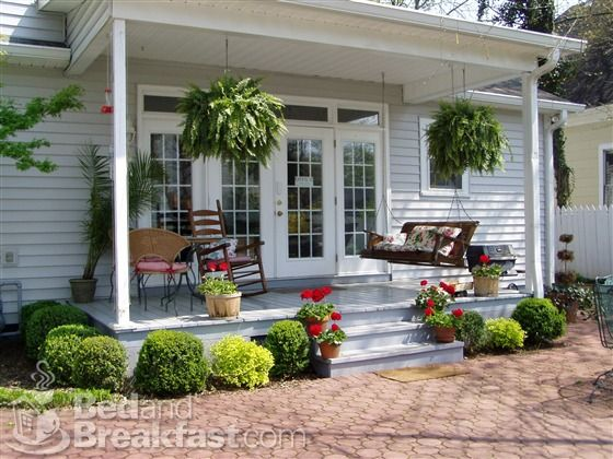 Back Porch Idea For The Home In 2019 Small Porches Summer Porch