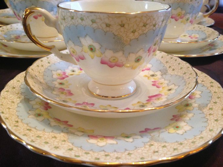 Vintage TUSCAN Plant Blue Ivory 'Pink & Yellow Flowers' 20pc China TEA SET | eBay