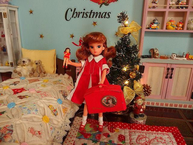 まさに、クリスマスに欲しかったリカちゃんハウスをもらった 子供の情景~