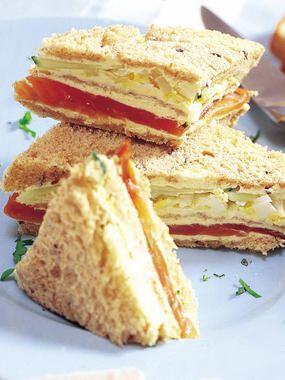 Sándwiches de salmón y pepino