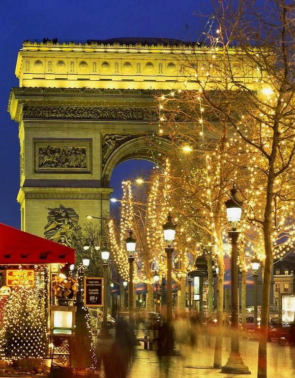 Arc de Triomphe at Christmastime, Paris