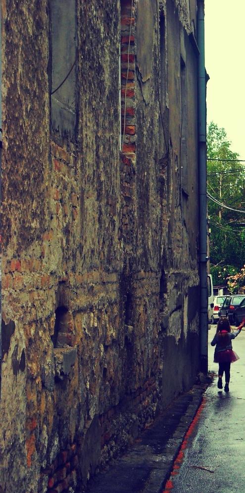 Old facade, Belgrade. http://www.bajabikes.eu/en/belgrade-highlights-bike-tour
