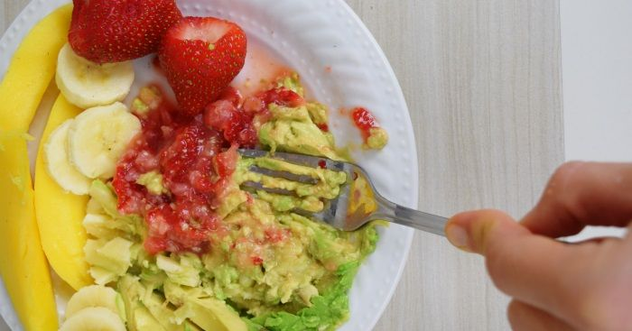 Looking for easy DIY baby food ideas? Here is a list of Baby Foods you can Mash with a fork.