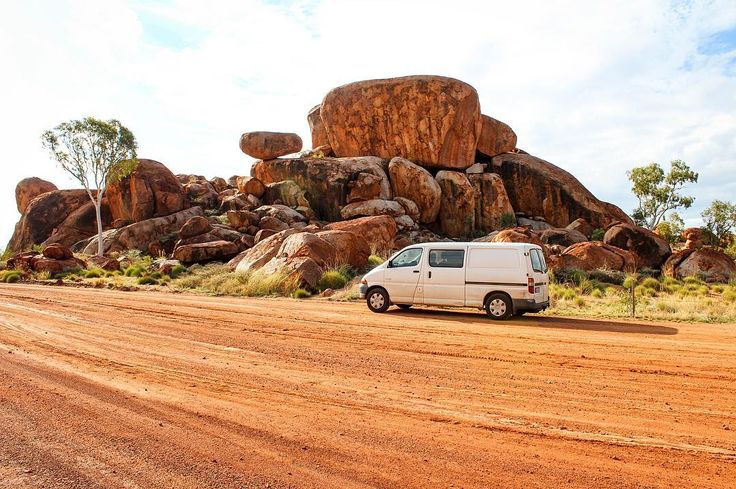 Pitstop on the Stuart Hwy  Moby meets the Devil's Marbles #vanlife #redcentrent #visitcentralaus #devilsmarbles #dothent