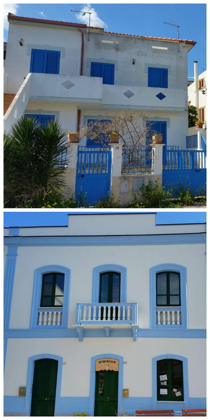 Le case a #Calasetta (Sardegna Sud-ovest) sono azzurre e bianche!!!